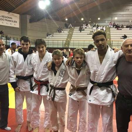 Laurie Boublil médaille d argent, Alexis Comtois et Grégoire Sadoux ... 35f2941536f